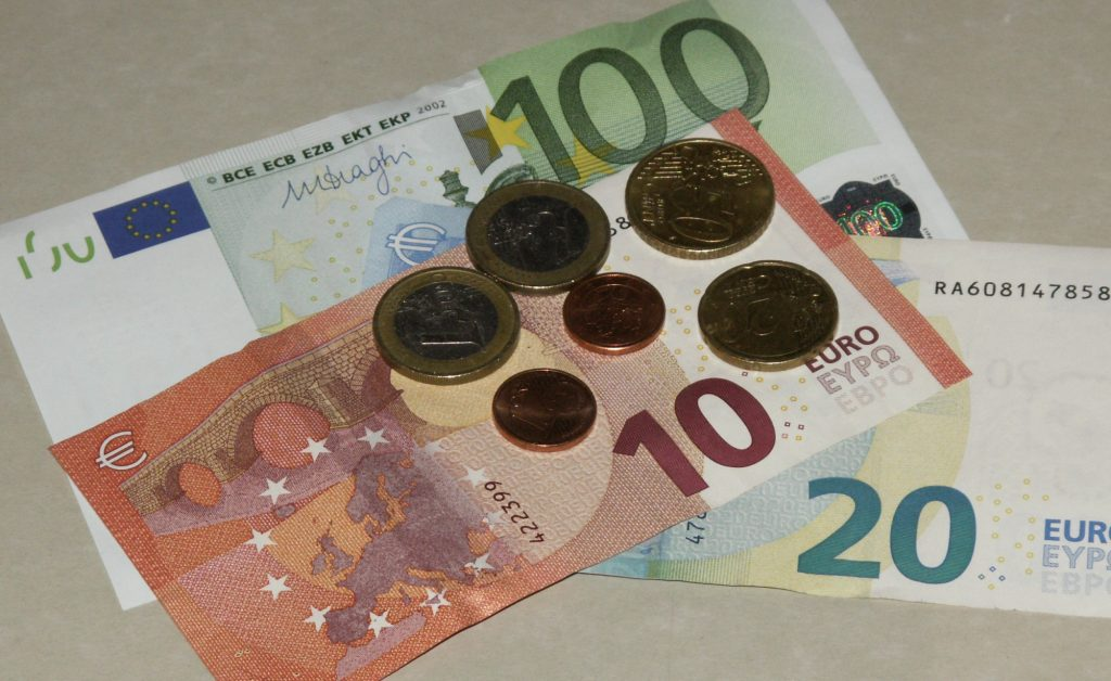 Das Geld....