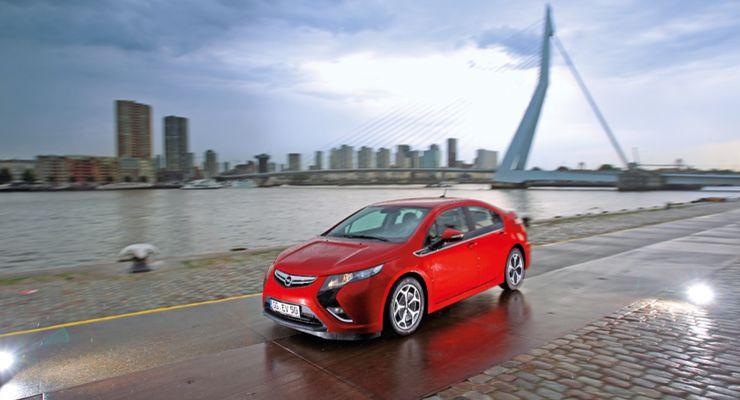 Opel-Ampera-Hybrid